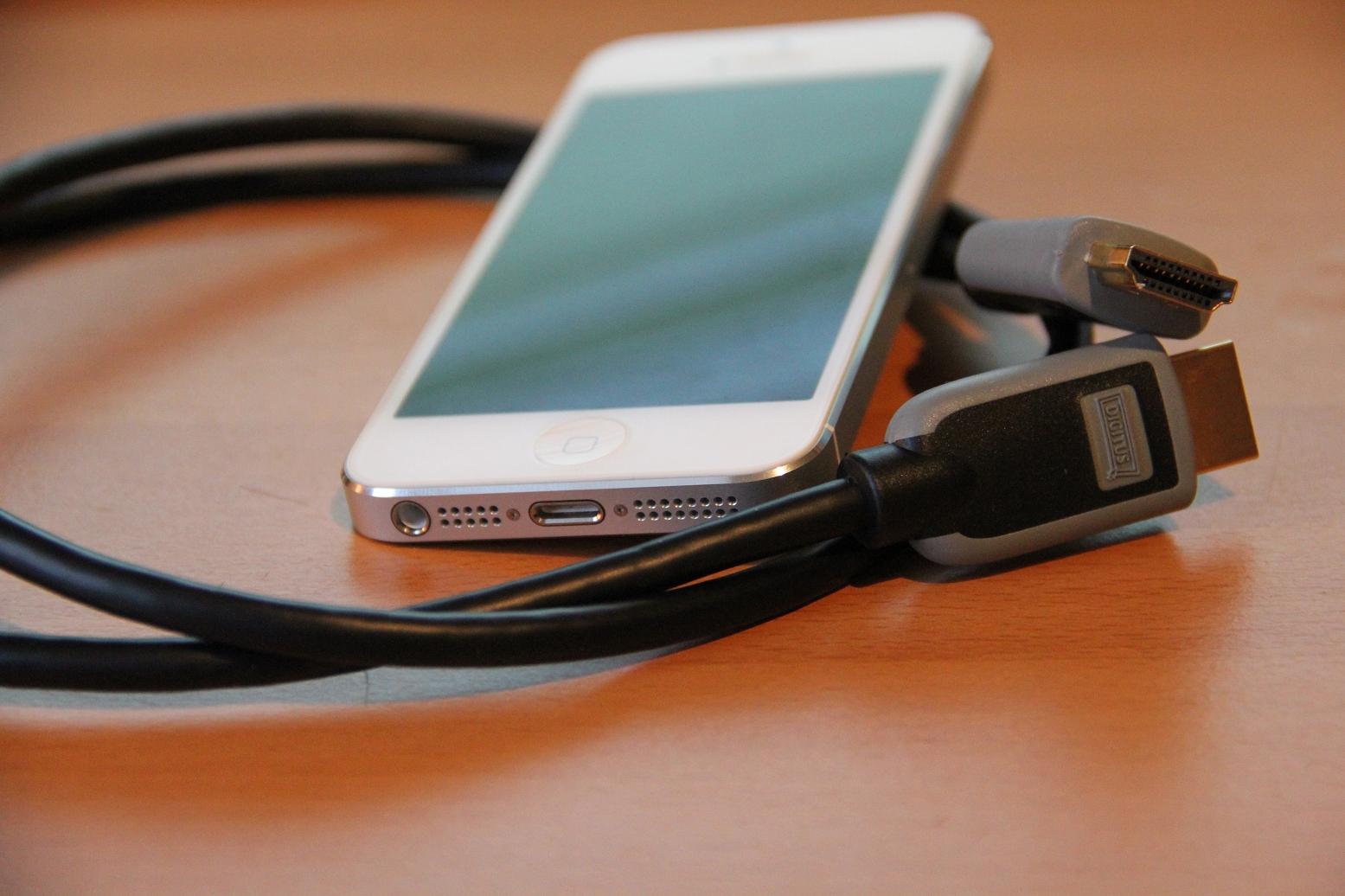 Grundig Fernseher Mit Laptop Verbinden : Iphone mit tv verbinden u2013 wie funktioniert es schnell und einfach