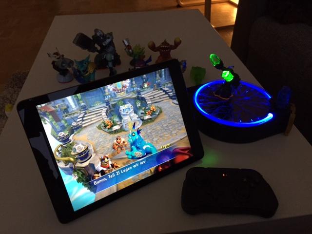 Skylander Trap Team - Portal Spielfiguren und Gamecontroller