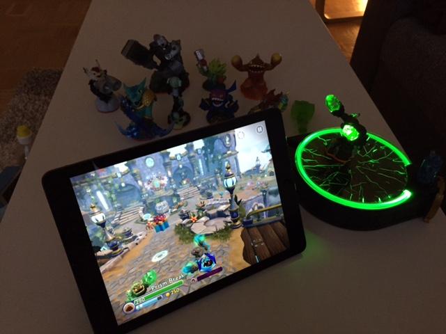 Skylander Trap Team - Portal und Spielfiguren