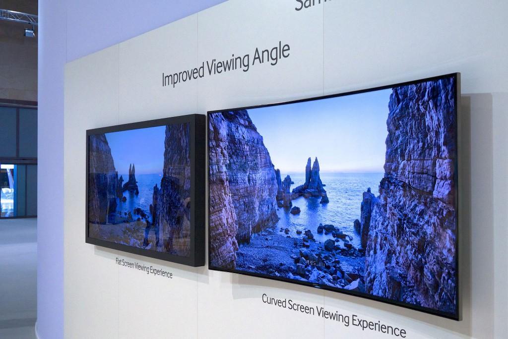 Flat und Curved TV