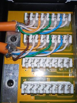 Aufgelegte Kabel ohne Zugentlastung