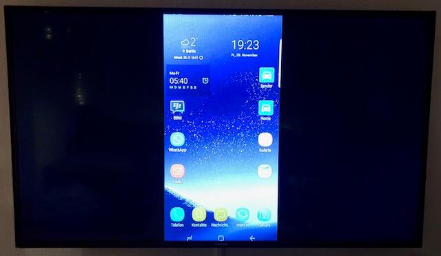 Smartphone Home Screen auf Fernseher