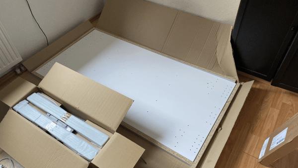 Aufbau höhenverstellbarer Schreibtisch